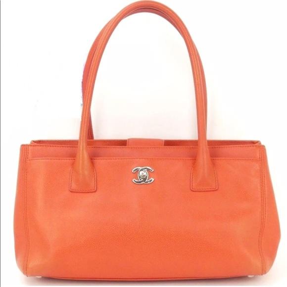 57e02c1a40e8 CHANEL Executive Cerf Caviar Tote Shoulder Bag